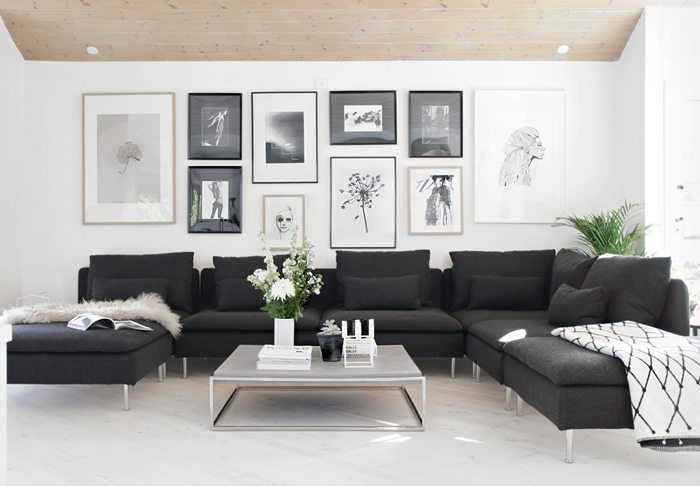 Living room before and after stylizimo blog bloglovin - Salones con sofa negro ...