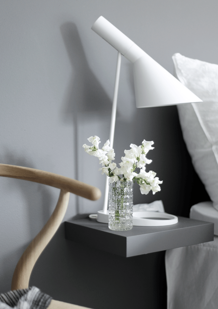 Nightstand-with-flowers