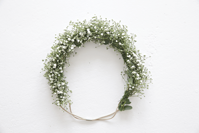 White flower wreath_hair