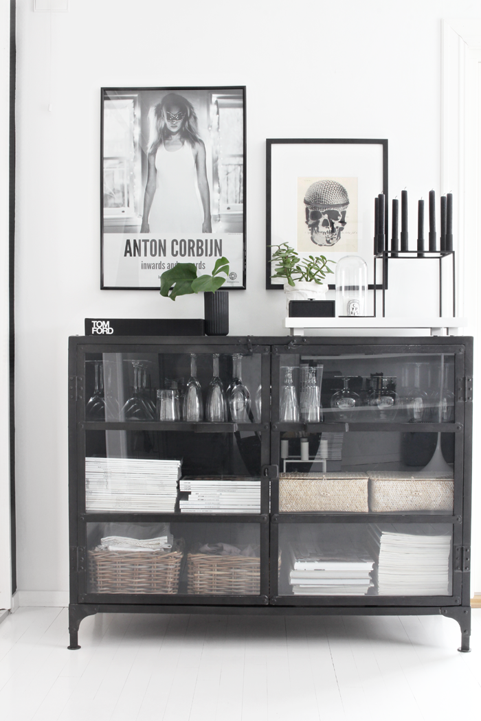 Iron cabinet_living