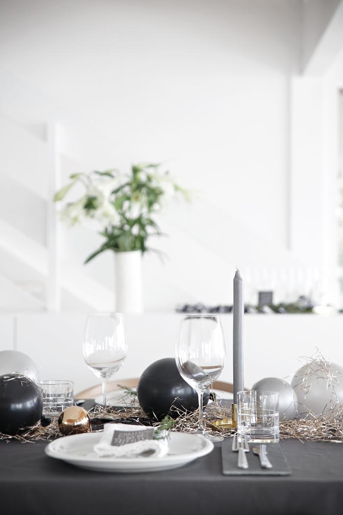 Table setting New Year_ Stylizimo