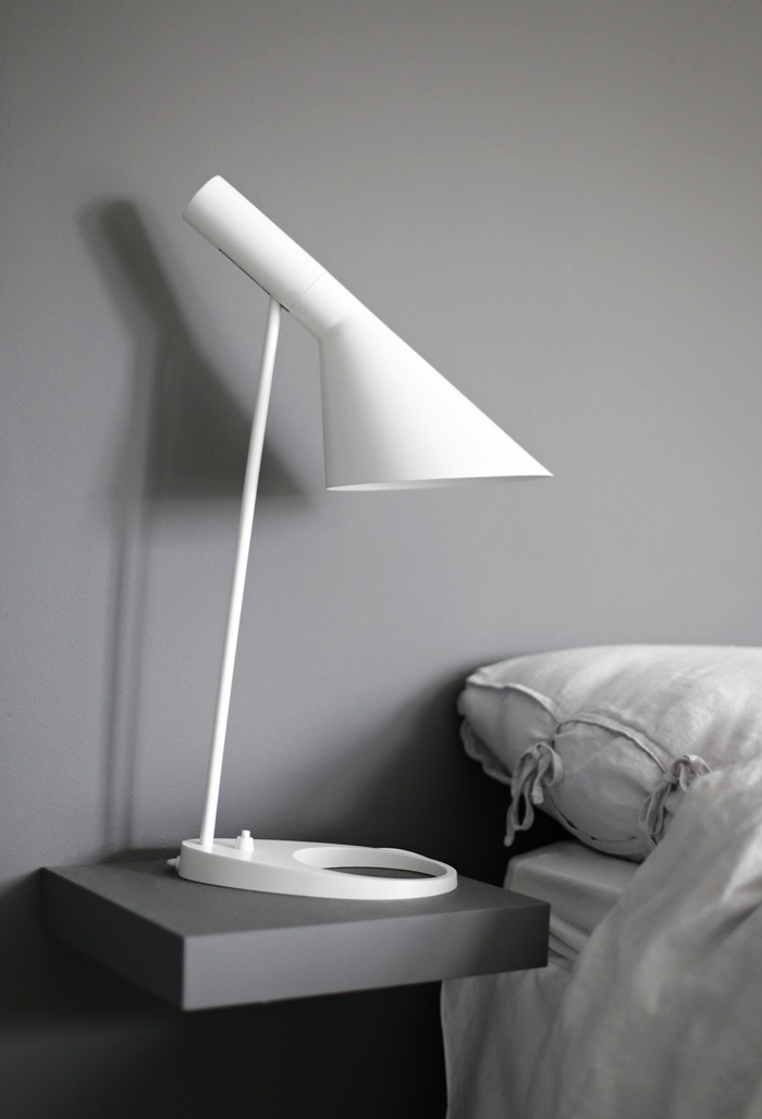 Smart nightstand