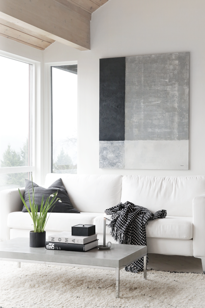 Black & white living room