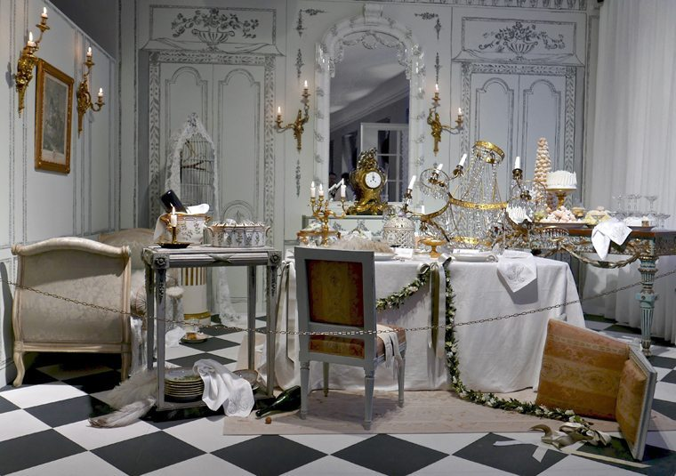 Royal Copenhagen - A Fashionable Christmas