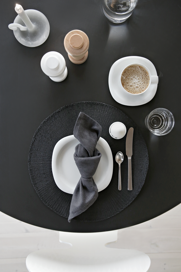 Table setting_breakfast