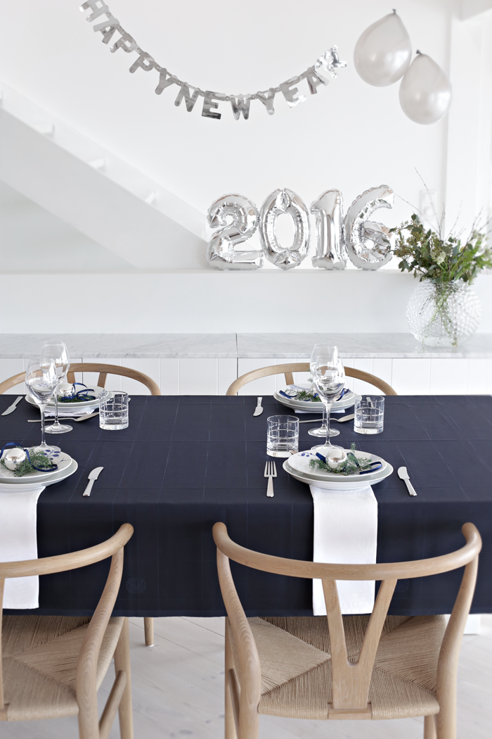 New Year tablesetting_blue