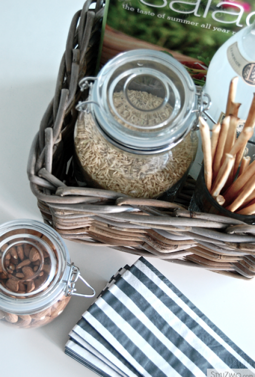 10 WAYS TO DECORATE WITH A BASKET