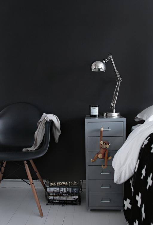One bedroom – 4 different nightstands