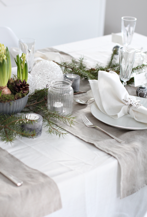 Table setting: Christmas