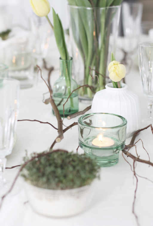 Table setting: Easter