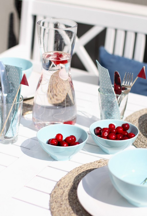 Table setting: Summer theme