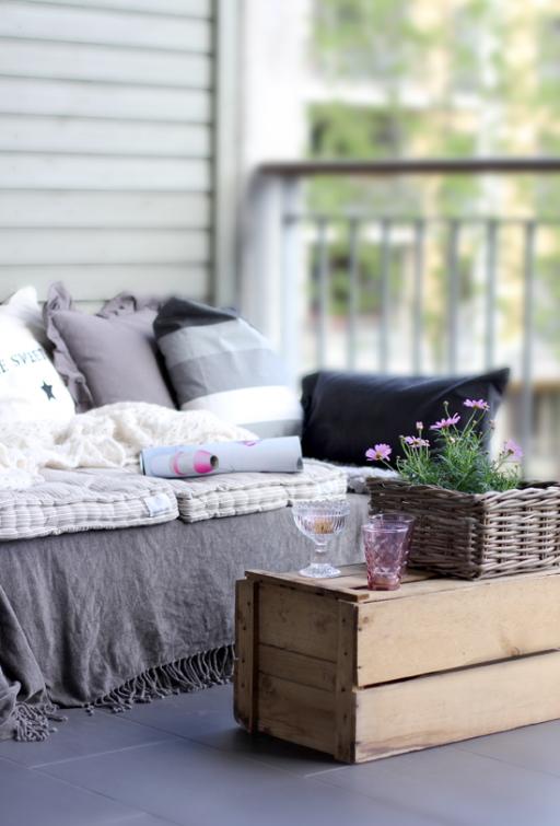 DIY: Pallet sofa