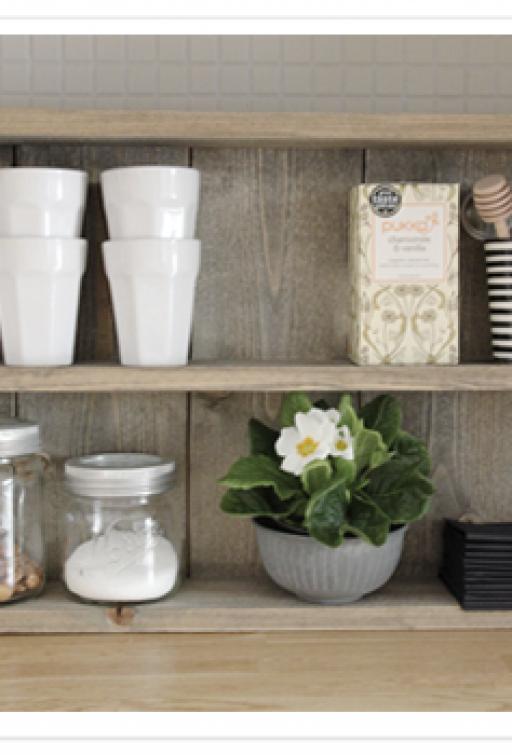 DIY: Shelf in the kitchen