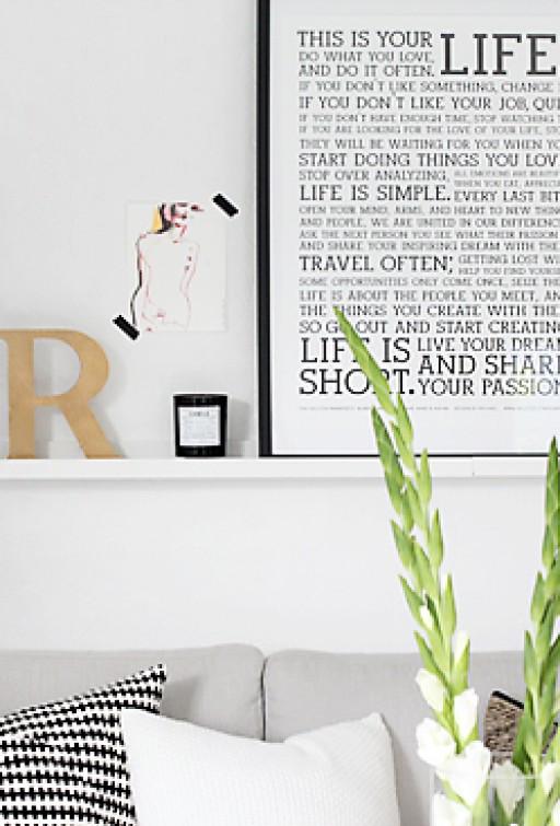 Living room details – picture ledge