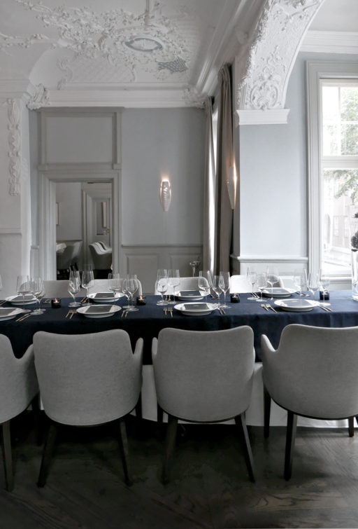 Royal Copenhagen´s blue table setting