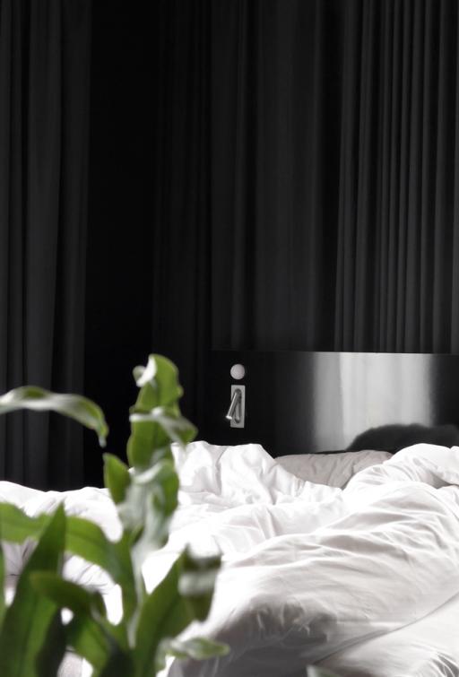 Black hotel suite