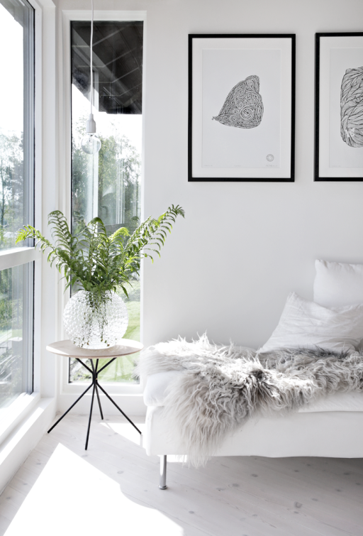 Sunny living room & weekend bouquets